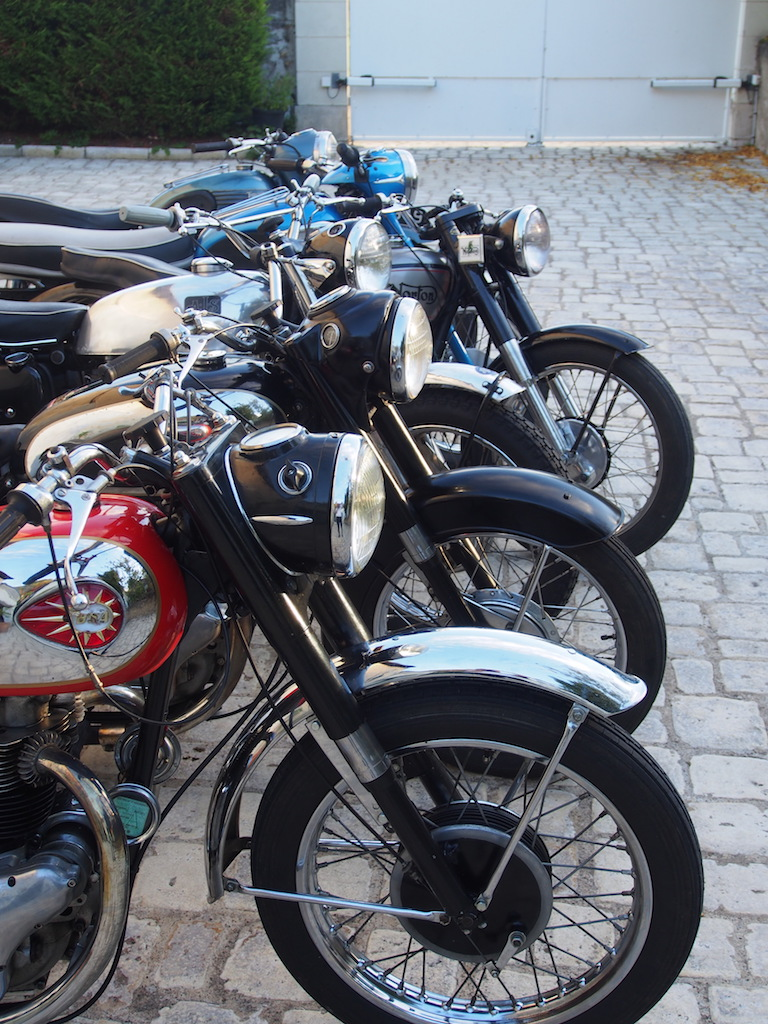 Passionnés de motos Anglaises!
