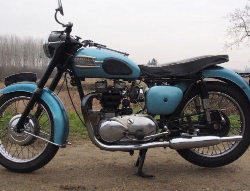 TRIUMPH 6Thunderbird – 1958