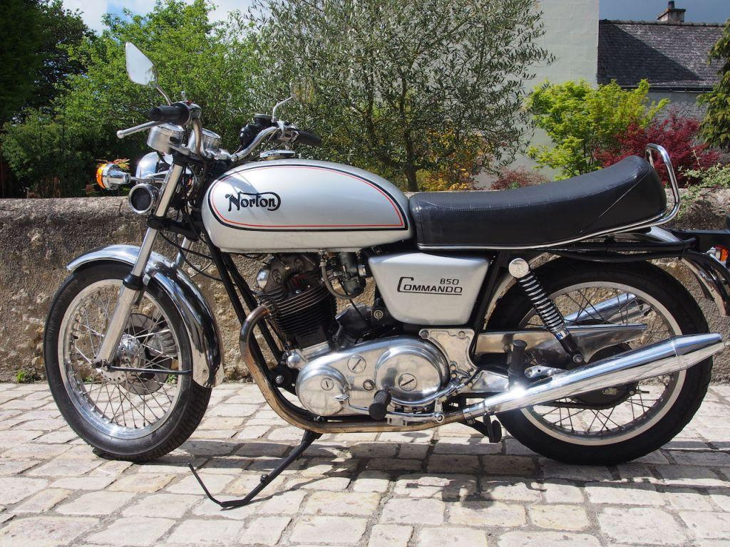 NORTON MK2 - 850 COMMANDO - Oct. 1973